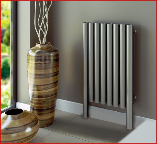 rvs-design-radiator-verwarming-buis-vorm-woonkamer