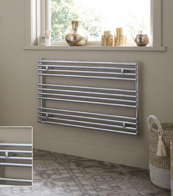 designradiator Lungo in wit of chroom voor plaatsing onder een raam