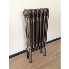 Classic radiator op pootjes (hier uitgevoerd in blanke lak)