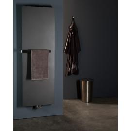 Stretta designradiator met handdoekbeugel